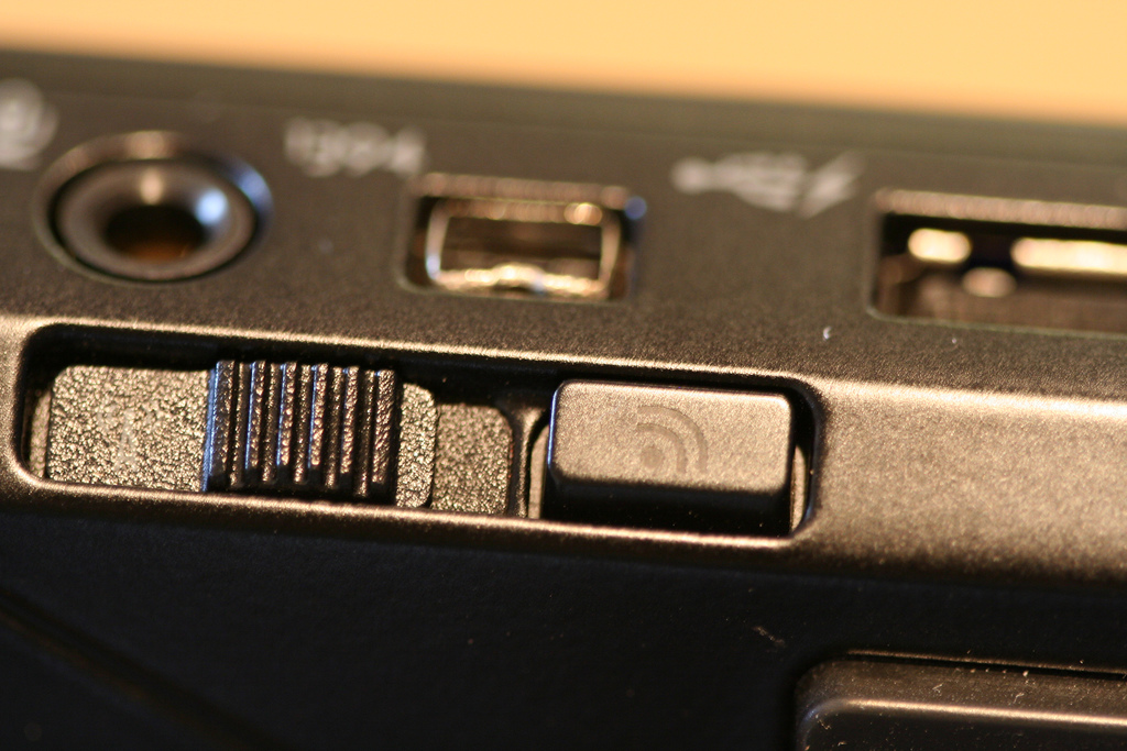 Dell Latitude E4300 Wireless Switch