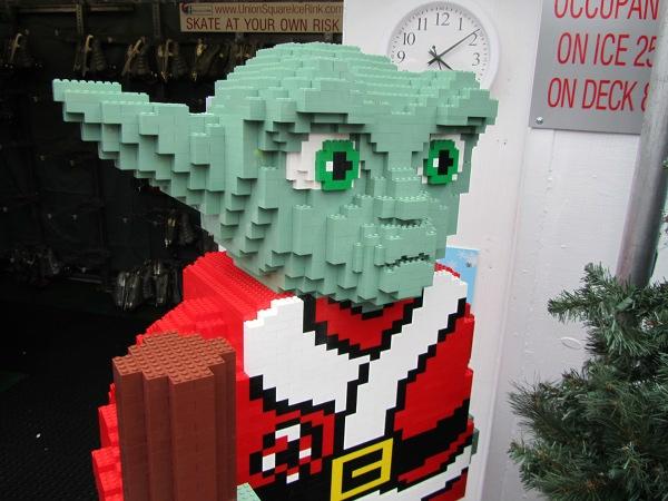 Santa Yoda in Lego