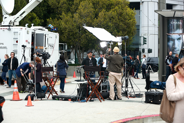 NEws studio on the side walk at Apple launch event for the iPhone 5