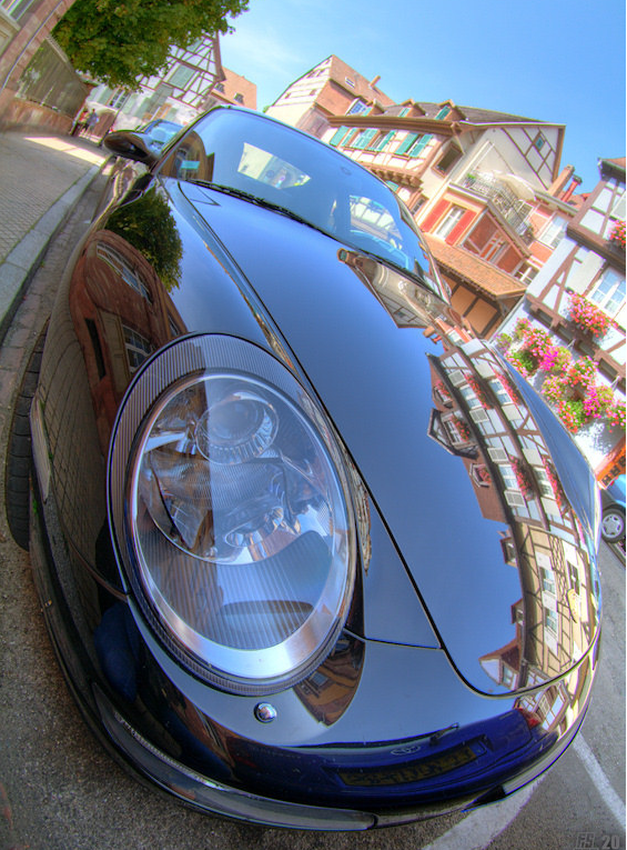 Reflections on a Porsche