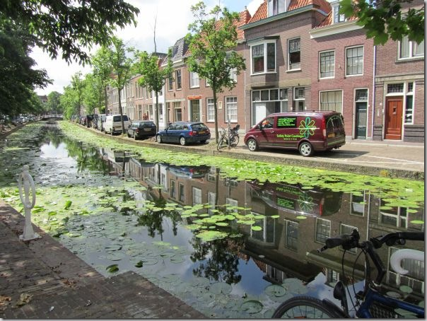 delft-canal-reflecto